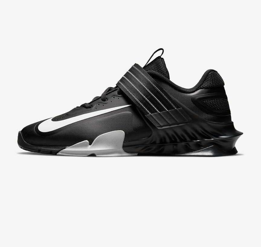 Nike Savaleos schoen in zwart